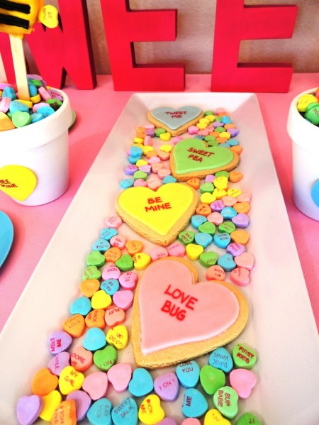 valentines dessert ideas, cute valentine desserts for kids, valentines day heart cookies, conversation heart cookie, sweet heart cookie, heart cookie, valentines day dessert table, dessert table