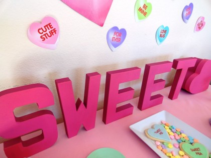 valentine dessert table, sweet heart table, valentine centerpiece