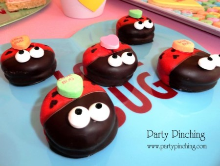 cute food, lady bug cookies, mallomars, love bug cookies, valentine cookies, cute heart cookies