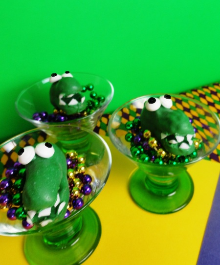 mardi gras gators, mardi gras desserts, circus peanuts, fat tuesday dessert, fat tuesday gators, cute food