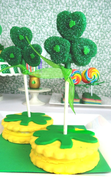 clover marshmallow pops, st. patrick's day treat, st. patrick's day dessert, st. paddy's day treats for kids, st. patrick's day party, cute food, st. patrick's day dessert ideas