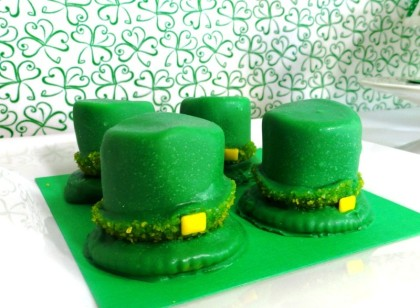 st.patrick's day dessert ideas, St. Patrick's Day dessert ideas for kids, st. patrick's day marsmallow hats, st. patrick's day treats.