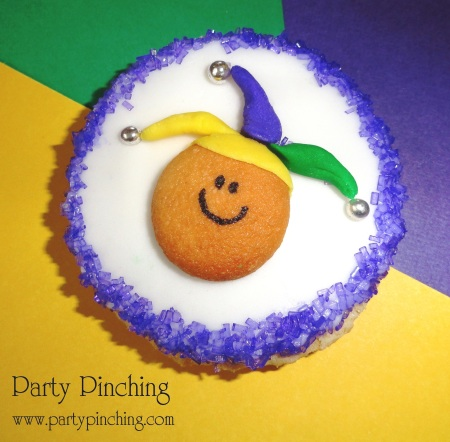 cute mardi gras cookie, cute mardi gras dessert, mardi gras cookie, mardi gras jester, mardi gras ideas, cute food