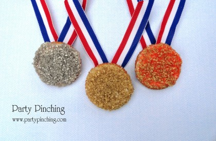 olympics party ideas, summer olympics party, 2012 olympics party, gold silver bronze cookie medals, olympic medal cookies, olympic medal ritz crackers