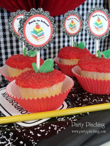 apple cupcakes, cute apple cupcakes, back to school snack, after school snack, back to school ideas, party ideas, teacher gift ideas, teacher appreciation gift, school snacks