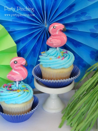 flamingo cupcakes, cute cupcakes, cute food, tropical cupcakes, luau cupcakes, luau party, beach cupcakes, summer cupcakes, beach party