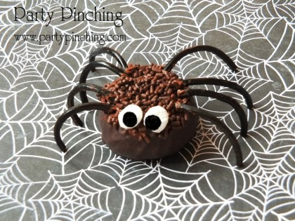 spider donut, halloween donut, halloween treat, easy halloween snack