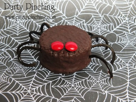 hostess ding dongs, spider ding dong, spider cupcake, halloween spider, cute spider