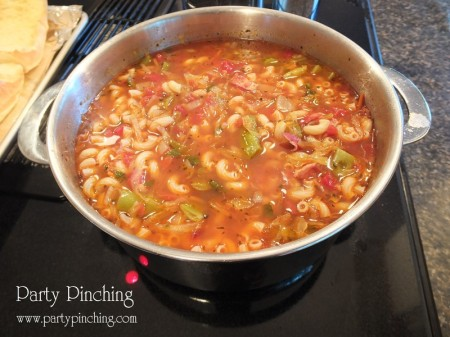 minestrone soup, homemade soup