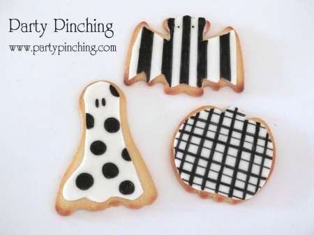 halloween cookies, bat cookie, ghost cookie, pumpkin cookie, black and white cookies, cute halloween cookies