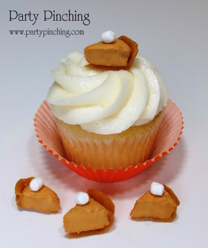 pumpkin pie cupcake, cute pumpkin cupcake, pumpkin pie cupcake topper, cute thanksgiving dessert, cute cupcake, cute thanksgiving cupcake, jet puffed spiced marshmallow