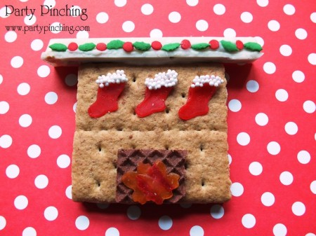 christmas graham cracker, christmas fireplace cookie, easy christmas cookie, cute christmas cookie, christmas dessert ideas, kid friendly christmas ideas, christmas stocking cookie