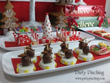 cute reindeer cookie, easy christmas cookie, no bake christmas cookie, reindeer cookie, oreo, lindt chocolate, lindor truffle