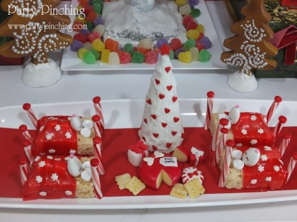 rice krispie treat mouse, cute sleeping mouse, christmas mouse dessert,twas the night before christmas dessert table, christmas dessert ideas, no bake christmas desserts, cute christmas mice,