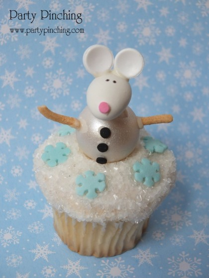 snowman cupcake, snowflake cupcake, cute christmas cupcake, mouse cupcake, holiday cupcake