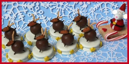 cute christmas dessert, christmas dessert table, kids dessert for christmas, easy christmas desserts, kid treats, lindt chocolate, night before christmas, twas the night before christmas theme