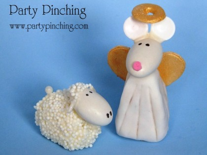 fondant angel, fondant sheep, nativity cake, cute nativity cake, christmas cake, cute christmas cake
