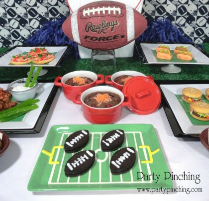 Super Bowl food ideas, Super Bowl dessert, Super Bowl chili, Super Bowl dessert table, Football desserts, Super Bowl recipes, Easy super bowl idea