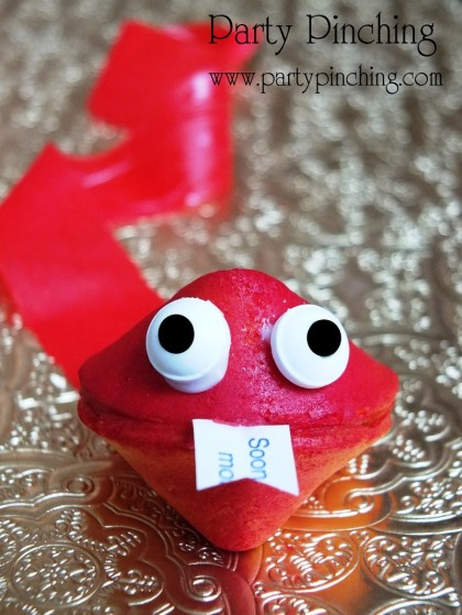 Chinese New Year party, chinese new year cookie, snake cookie, chinese new year dessert ideas, chinese new year of snake, fortune cookie, chinese new year for kids