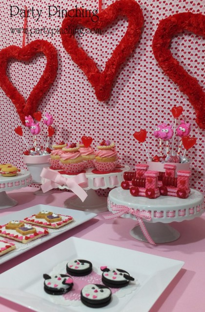 valentine party ideas, valentine's day dessert ideas, valentine's dessert for kids, valentine treats for kids, children valentine's day party, valentine's day dessert table