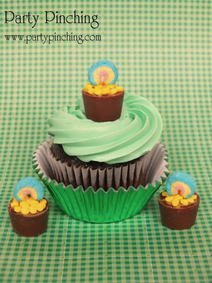 st. patrick's day cupcake, cute st. patrick's day dessert, pot of gold cupcake, lucky charms, st.patrick's day dessert for kids, st. patrick's day dessert ideas