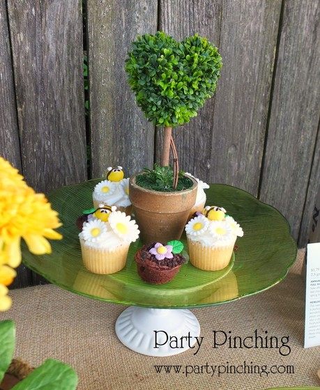 garden party, bee cupcakes, garden cupcakes, garden party ideas