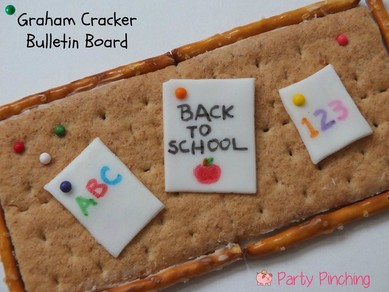 Graham cracker bulletin board, back to school snack, after school snack, school snack, classroom snack, cute school snack