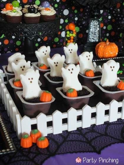 halloween peeps pudding cups, kids halloween party, cute halloween party ideas, kids halloween party ideas, halloween treat ideas, cute halloween dessert ideas, easy halloween desserts