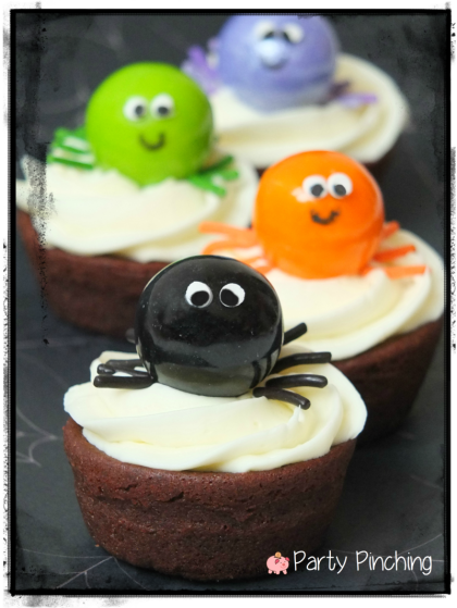 spider cupcakes, spider brownies, gumball spiders, kids halloween party, cute halloween party ideas, kids halloween party ideas, halloween treat ideas, cute halloween dessert ideas, easy halloween