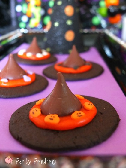 witch hat cookies, kids halloween party, cute halloween party ideas, kids halloween party ideas, halloween treat ideas, cute halloween dessert ideas, easy halloween desserts