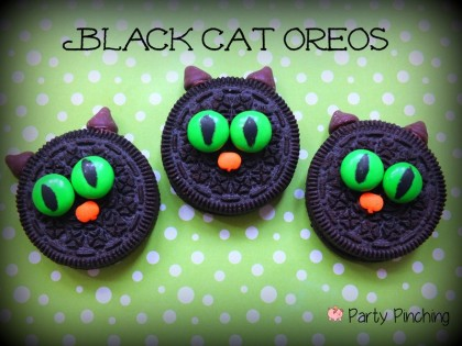oreo black cats, black cat cookies, halloween cat cookies, kids halloween party, cute halloween party ideas, kids halloween party ideas, halloween treat ideas, cute halloween dessert ideas, easy
