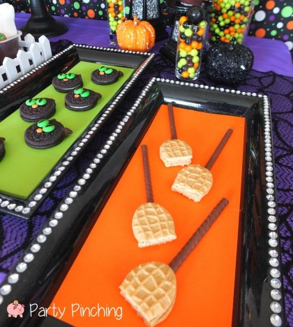 broomstick cookies, nutter butter halloween, ovation candy, kids halloween party, cute halloween party ideas, kids halloween party ideas, halloween treat ideas, cute halloween dessert ideas, easy
