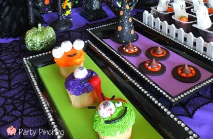 monster cupcakes, gumball eyes, kids halloween party, cute halloween party ideas, kids halloween party ideas, halloween treat ideas, cute halloween dessert ideas, easy halloween desserts