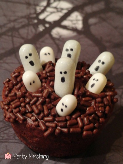 Mini Ghosts Party Pinching