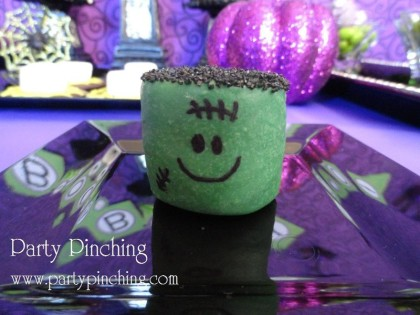 marshmallow frankensteins, easy halloween dessert, halloween party ideas for kids