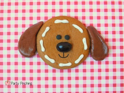 easy gingerbread cookies, gingerbread dog, gingerbread puppy, dog cookie,  no bake gingerbread cookies, ginger snaps, gingersnap cookies, cute gingerbread ideas, easy christmas cookies