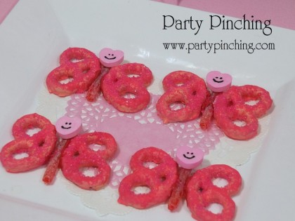pretzel butterfly, valentine treats for kids, valentine dessert ideas, easy valentine dessert, cute valentine dessert