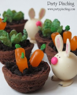 Easy Easter dessert ideas, cute bunny cookies, bunny easter candy, bunny cupcake toppers