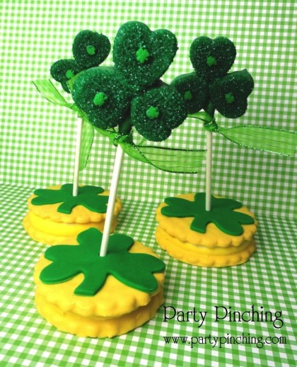 shamrock marshmallow pops, st. patrick's day dessert ideas, easy st patricks day treat ideas for kids, st patrick's day party ideas