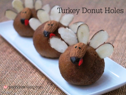 thanksgiving dessert for kids, easy thanksgiving dessert, cute turkey treat, donut turkey with almonds