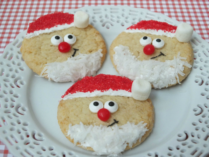 Santa sugar cookies, easy Christmas treats, kid friendly Christmas