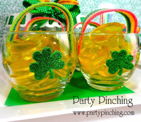 Jello pots of gold, St Patrick's day treat, easy St Patrick's day dessert for kids, cute food, rainbow desserts, easy St. Patrick's Day party ideas, St. Patrick's Day food for kids,