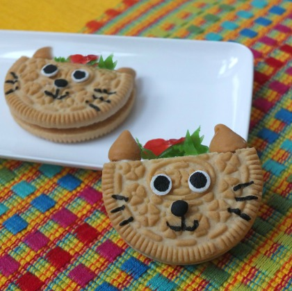 Taco Cat cookie by Party Pinching made for Tablespoon.com, taco cookie, cinco de mayo cookie, fiesta dessert, easy cinco de mayo fiesta for kids