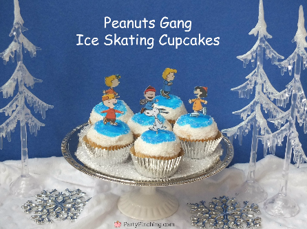 Peanuts Gang Ice Skating Cupcakes, Peanuts, Charlie Brown Christmas party, Charlie Brown Christmas food, Charlie Brown Christmas cupcakes, Snoopy Gingerbread Doghouse, Snoopy Cookies, Charlie Brownie