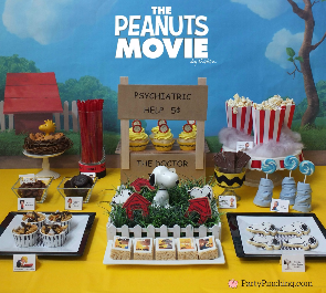 Peanuts movie, peanuts movie party, Charlie Brown, Snoopy, cute Snoopy cookies, Charlie Brown treats,