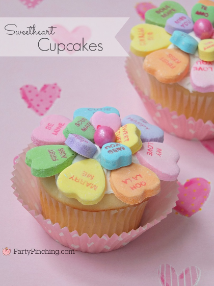 Sweetheart Conversation Heart Valentine's Day Cupcake, cute Valentine's Day cupcake dessert ideas, easy Valentine's day ideas for kids class parties