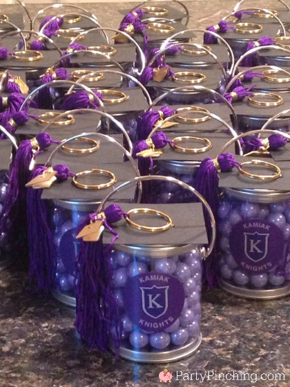 grad party favors, easy graduation party ideas, graduation favors, cap and tassel favors, cute graduation party ideas, graduation open house ideas