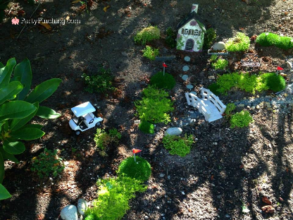fairy garden golf course, fairy garden ideas, theme fairy garden