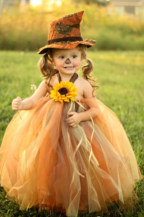 cute scarecrow costume tutu, Best Halloween costumes for kids, DIY kids costumes, easy kids costumes to make, adorable and cute Halloween costumes for toddlers and infants, Halloween party ideas
